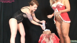 babestation_beth_sploshing_015
