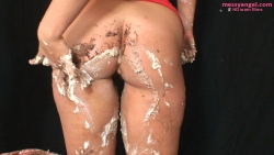 babestation_beth_sploshing_018