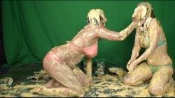 fi_stevens_jenkins_messy_wrestling_003