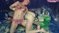 messy_custard_wrestling_babes_007