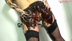 shay_hendrix_covered_in_black_treacle_008