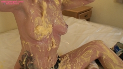 sexy_maid_sploshing_009