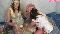 lola_lyx_jess_west_messy_picnic_008