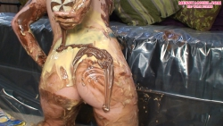 sploshing_girl_messyangel_009