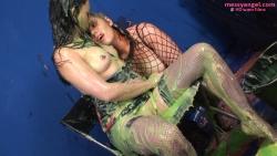 mistress_dom_sploshing_010