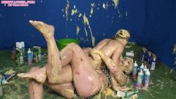 shay_hendrix_maise_dee_messy_wrestling_006