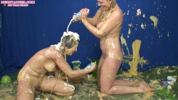 shay_hendrix_maise_dee_messy_wrestling_008