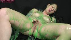 nude_girl_masturbating_in_green_slime_015