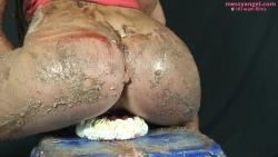 splosh_school_cake_sitting_015