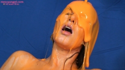 steph_frances_gunged_010
