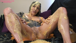 karen_wood_messy_girl_018