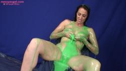 tammie_lee_teased_green_gunge005