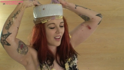 shay_hendrix_messy_christmas_007