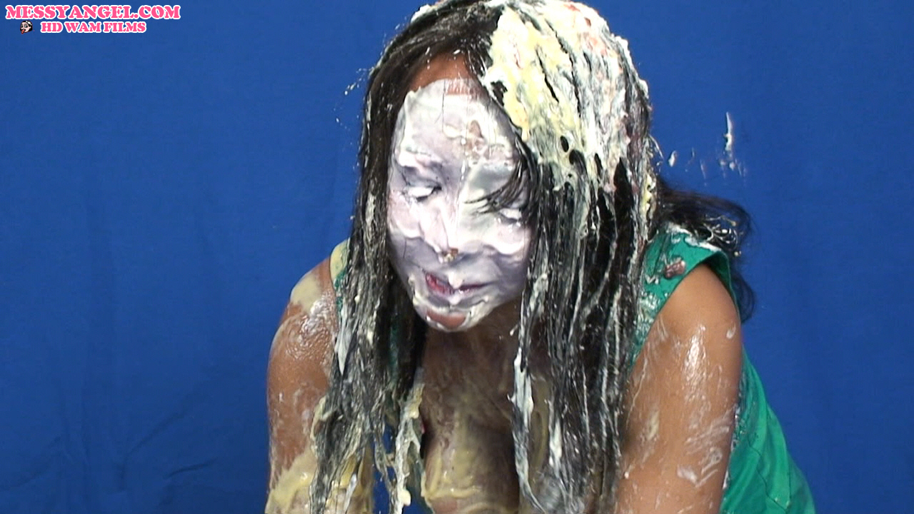 black_girl_sploshing_010